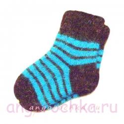 Детские вязаные шерстяные носки c полосками.