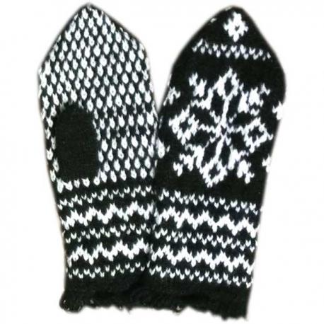 Черно-белые варежки-джурабы со снежинкой