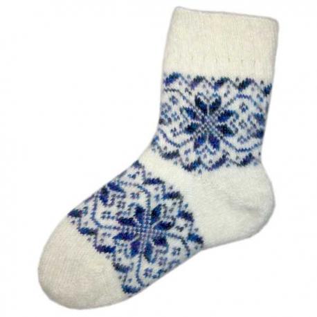 Женские вязаные носки белые с синим рисунком