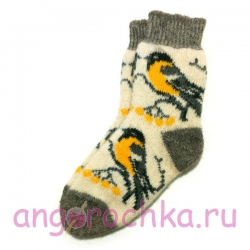 Вязаные шерстяные носки с синицами