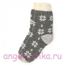 Серые вязаные шерстяные носки с  рисунком из ромашек