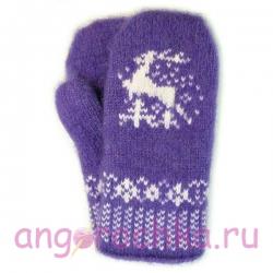 Фиолетовые вязаные шерстяные варежки со сказочным оленем