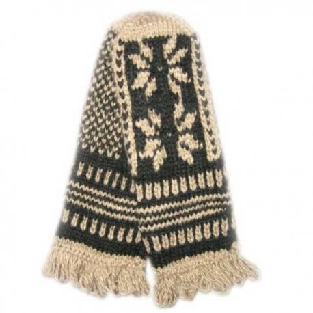 Варежки ручной вязки  с чёрно-белым узором