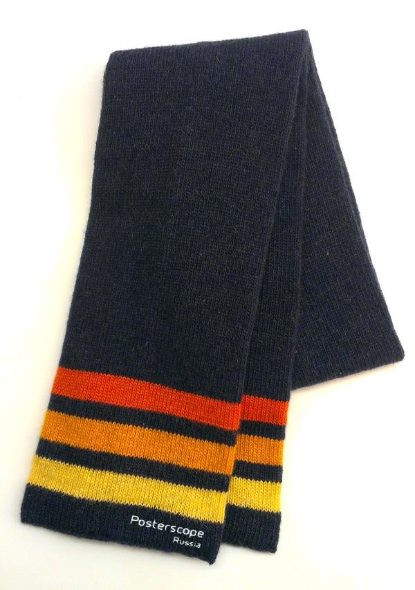 вязаный шарф с вышитым логотипом