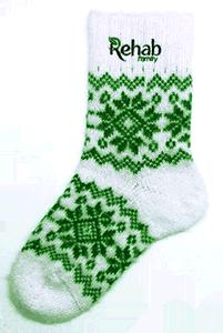 вязаные носки с вышитым логотипом