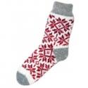 Женские вязаные носки с красным орнаментом