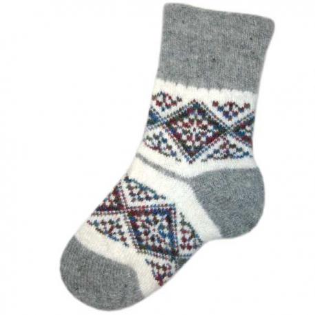 Женские вязаные носки с ромбовидными узорами