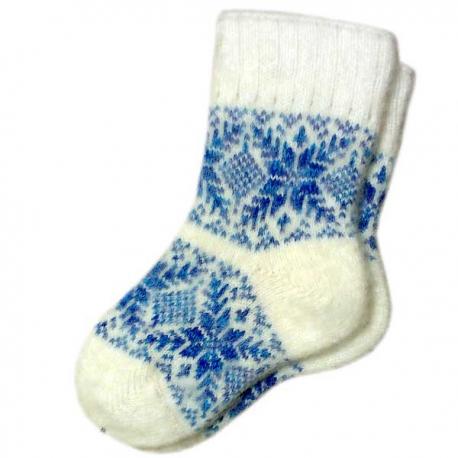 Женские вязаные носки белые с голубым узором
