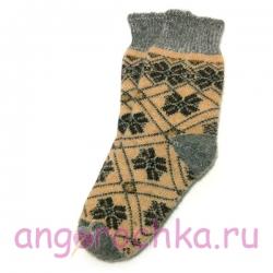 Женские шерстяные носки с красивым орнаментом