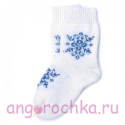 Вязаные шерстяные носки со снежинкой