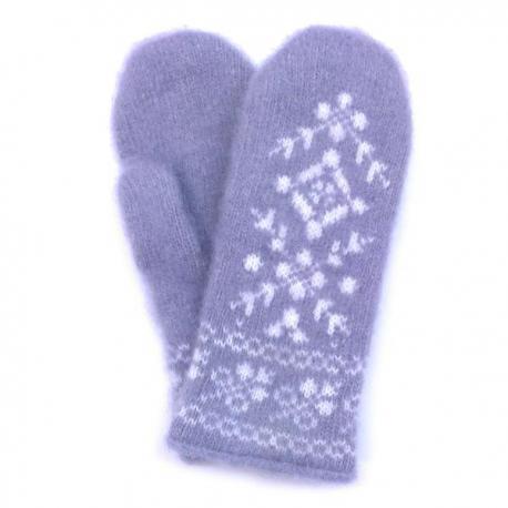 Голубые шерстяные варежки с зимним орнаментом