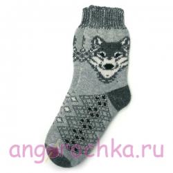 Серые шерстяные носки с волком