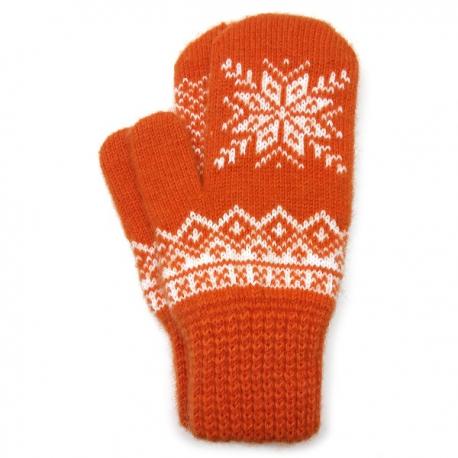 Оранжевые шерстяные варежки со снежинкой
