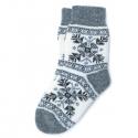Шерстяные вязаные носки со снежинками