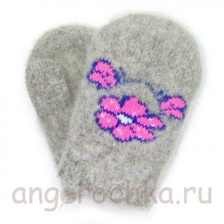 Детские шерстяные варежки-малышки с розовыми цветочками