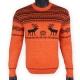 Яркий шерстяной свитер с черным рисунком - оленями