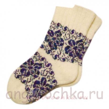 Женские вязаные носки с орнаментом
