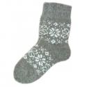 Детские вязаные носки c орнаментом.