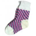 Детские вязаные носки c ярким орнаментом.