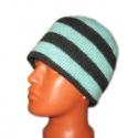 Вязаная шерстяная шапка в полоску